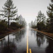 10 consejos para conducir bajo la lluvia con total seguridad